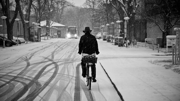 Copenhagen Cycle Chic on Scandinavia Standard Copenhagen Fashion Bloggers-2 / Scandinavian Standard