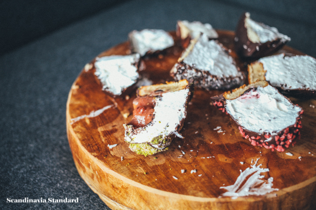 Flødeboller Taste Test - Board | Scandinavia Standard