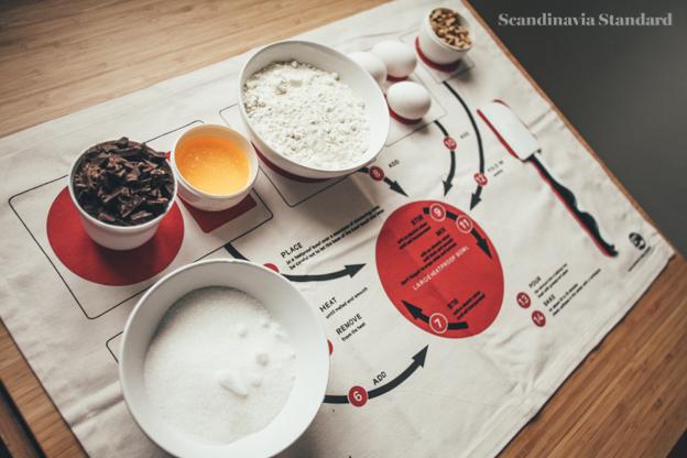 Bake On Tea Twon Side View | Scandinavia Standard