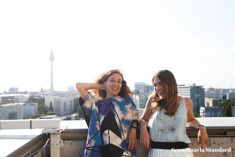 Laughing away - Ambra Fiorenza   Scandinavia Standard