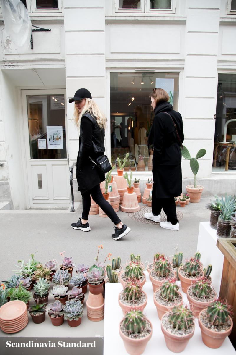 Kaktus Copenhagen Street Style Peeping In The Store On J Gersborggade Scandinavia Standard