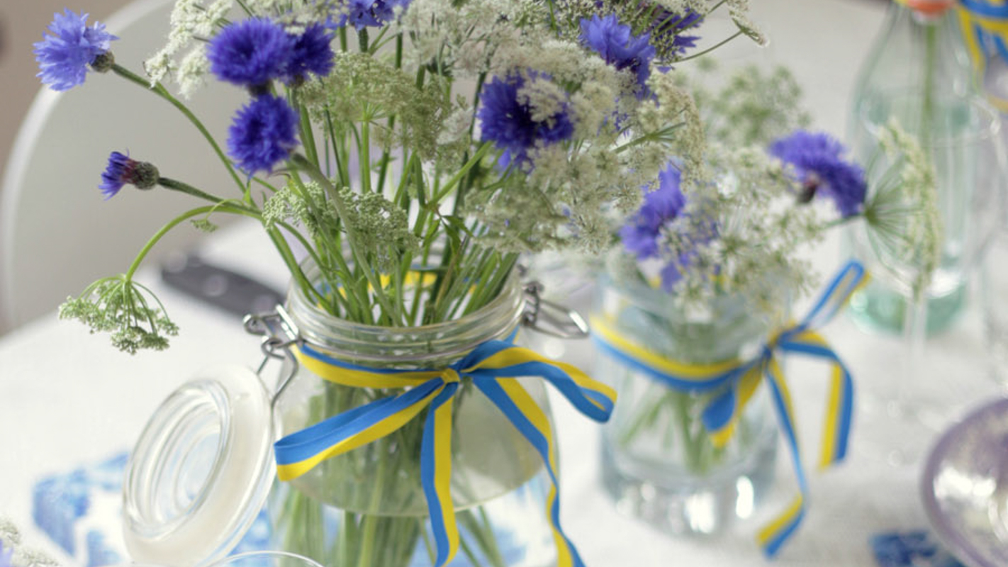 Swedish Midsummer - Flowers on Table - Swedish Flag Ribbon - Emily Dahl | Scandinavia Standard