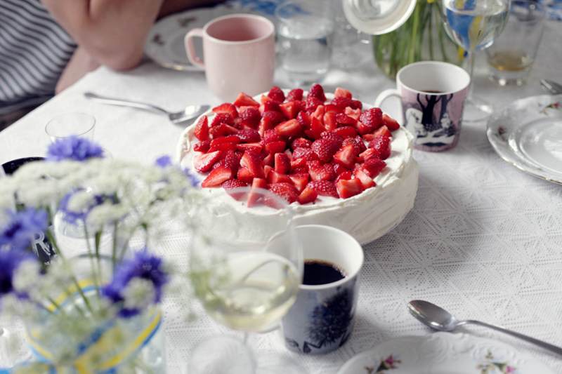 Swedish Midsummer - Strawberry Cake - Emily Dahl | Scandinavia Standard