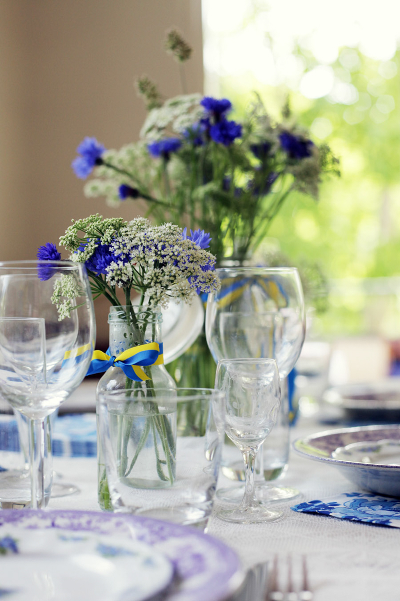 Swedish Midsummer - Table Setting - Flowers - Glassware - Emily Dahl | Scandinavia Standard
