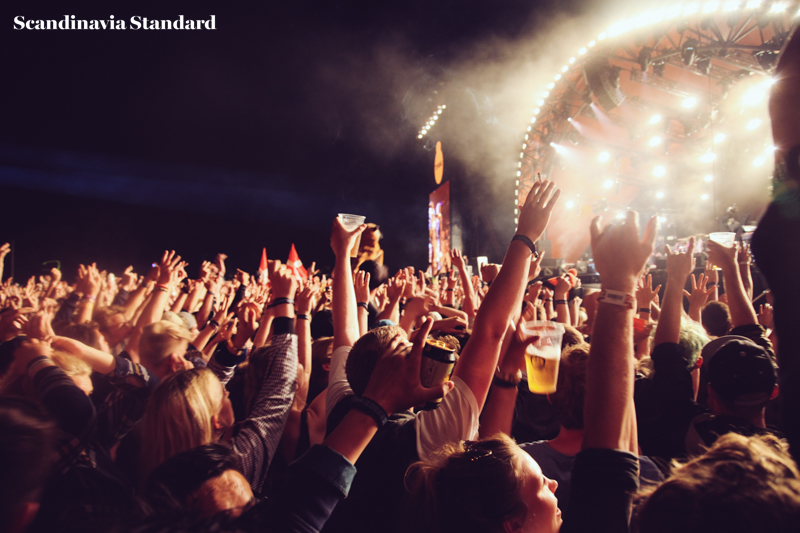 Paul McCartney Front Row Roskilde Festival | Scandinavia Standard