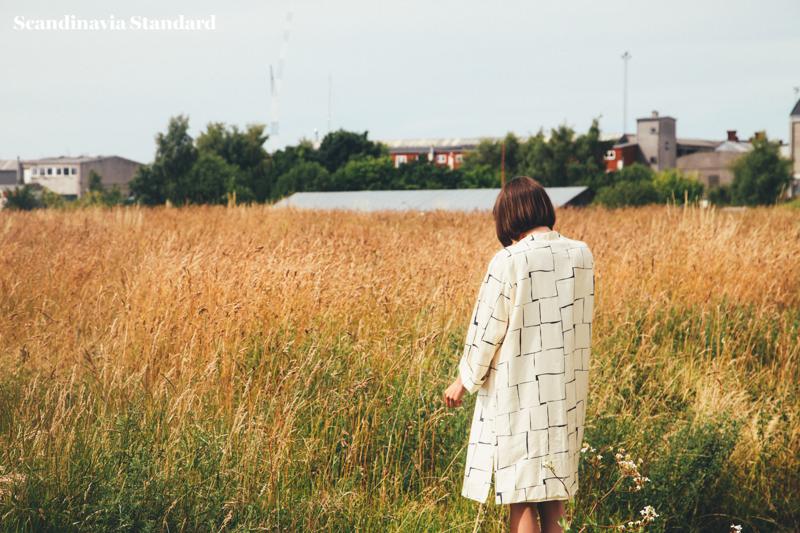 Walking in Garden at Amass   Scandinavia Standard
