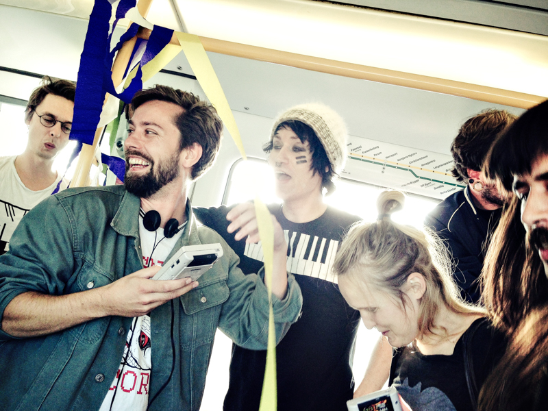 Performance in Copenhagen Metro - Copenhagen Art Week med kunst i metroen 2014, 8bitklubben, 2014. Foto Martin Kurt Haglund