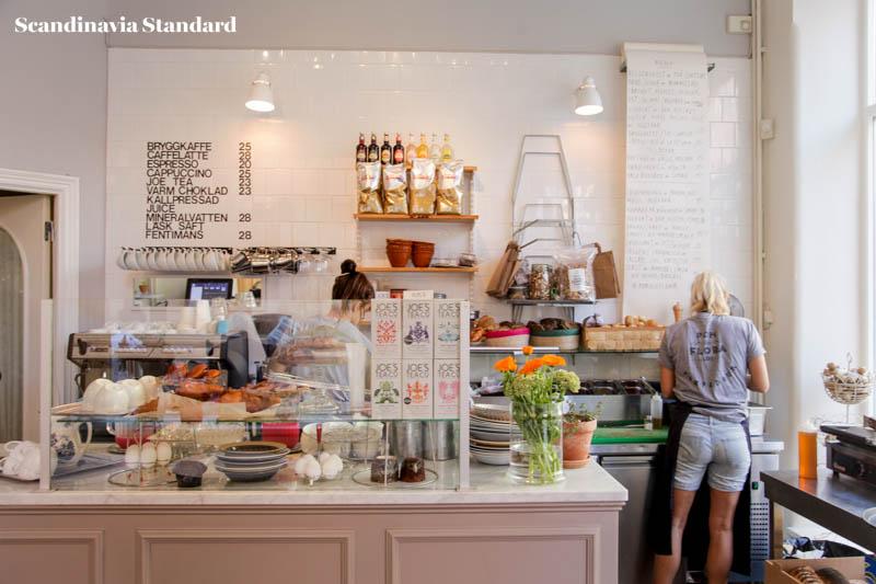 Pom & Flora Counter Breakfast Brunch in Stockholm | Scandinavia Standard