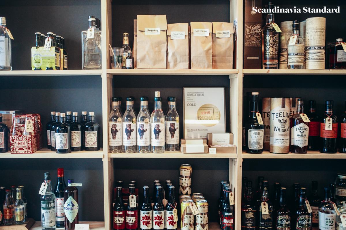 shelves-in-den-sidste-drabe-scandinavia-standard