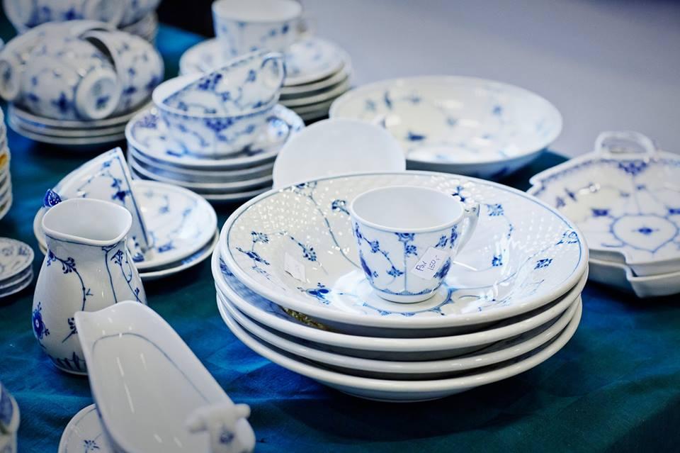 FLEA MARKET IN FORUM - Royal Copenhagen Porcelain Inexpensive Cheap - Nov 2015 - Whats on Copenhagen
