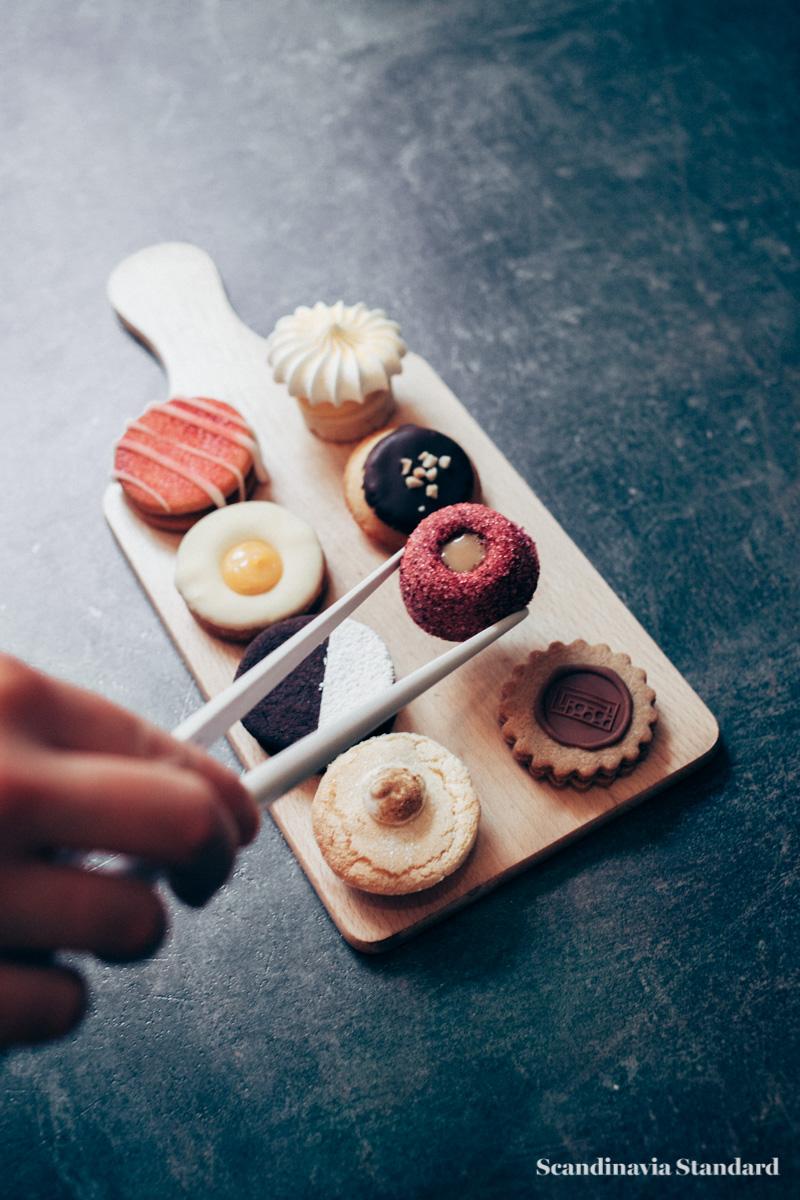 Lakkerbaer småkager - Danish Small Cakes - Copenhagen | Scandinavia Standard