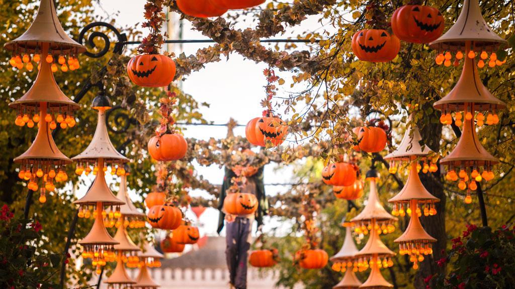 Halloween at Tivoli via Tivoli dk