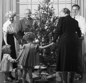 christmas-songs-and-walking-around-the-christmas-tree-scandinavia-standard