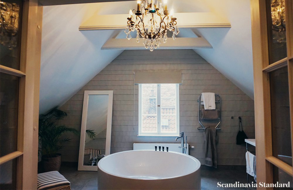 STAY-V Hotell- V Suite Bathrooom 1 | Scandinavia Standard