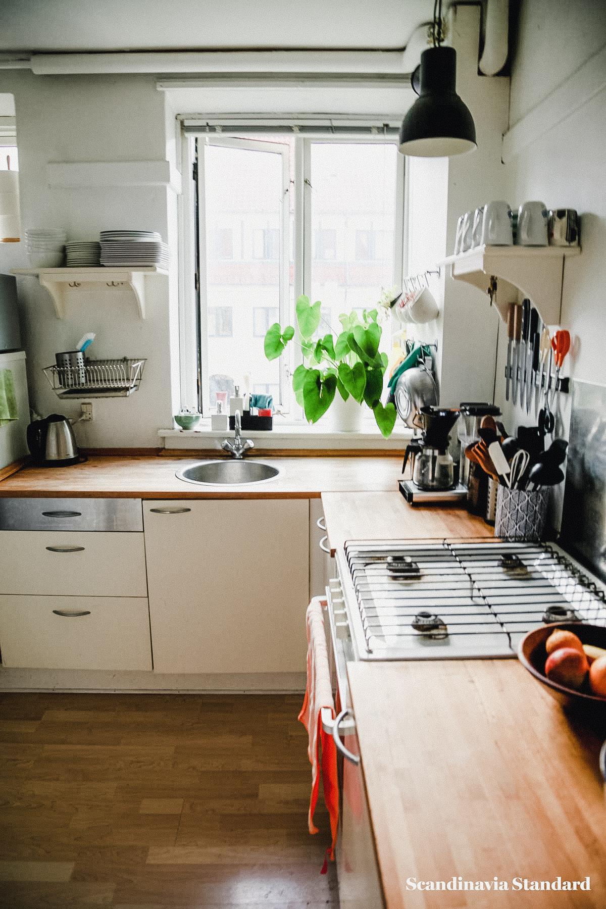 the-white-room-rebeccas-nordvest-apartment-copenhagen-interiors-scandianvia-standard-8993