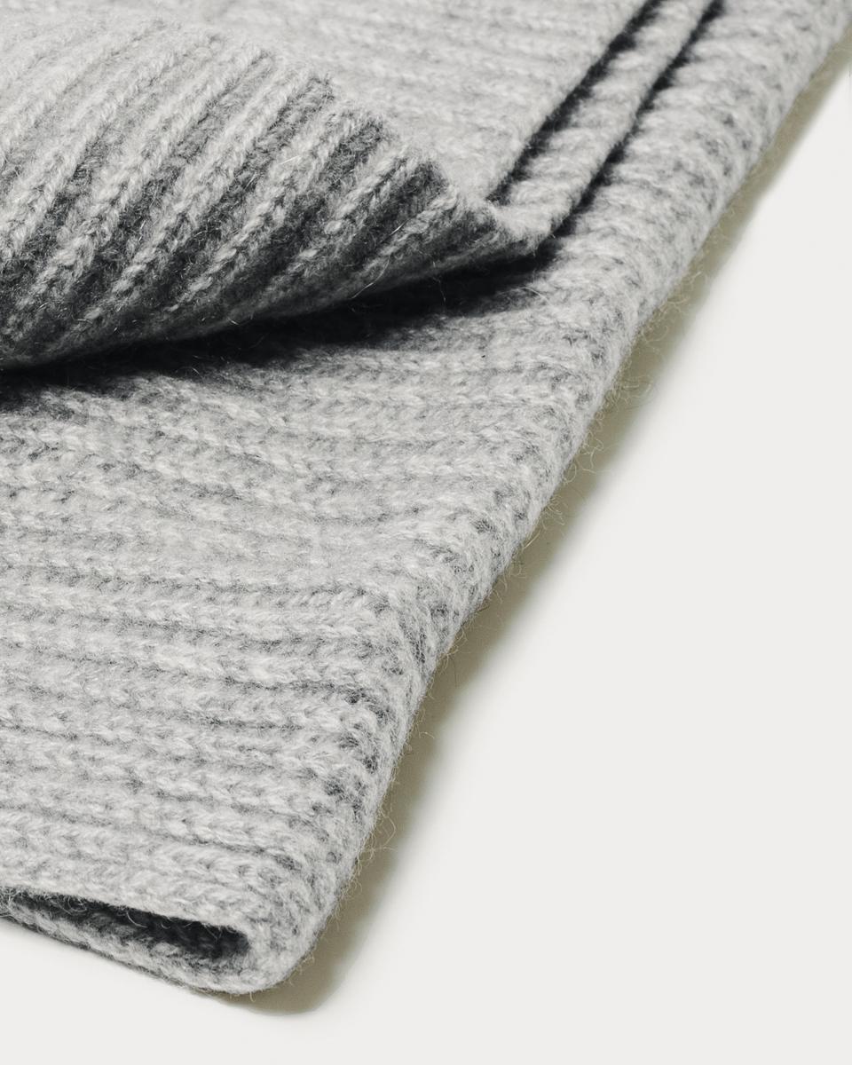 the-cashmere-scarf-2-everlane