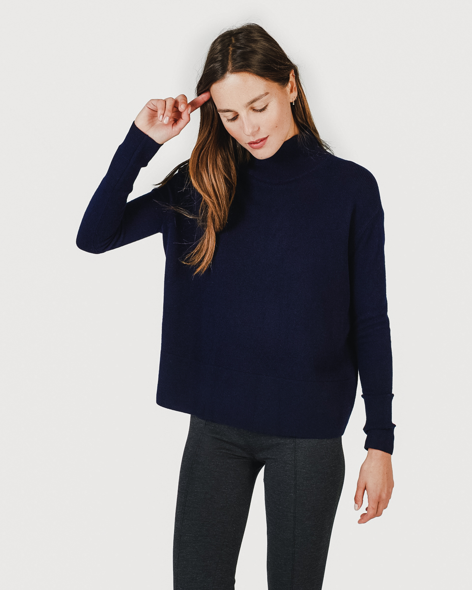 the-cashmere-square-turtleneck-2-everlane