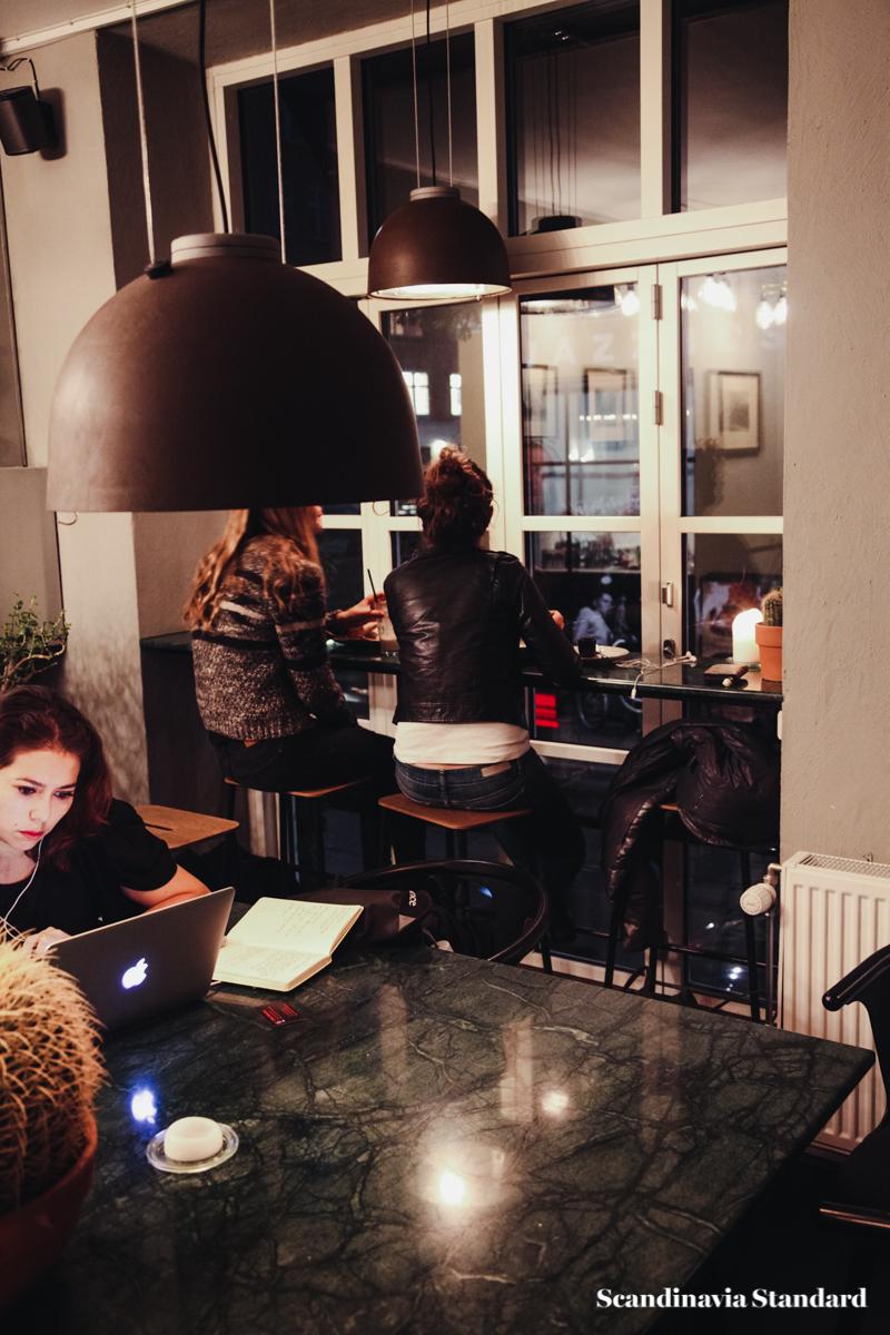 hafnia-restaurant-tables-scandinavia-standard