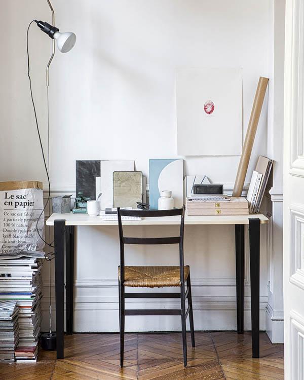 tiptoe-desk